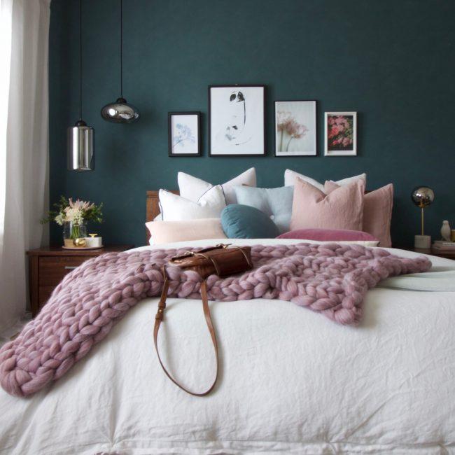 green hues bedroom