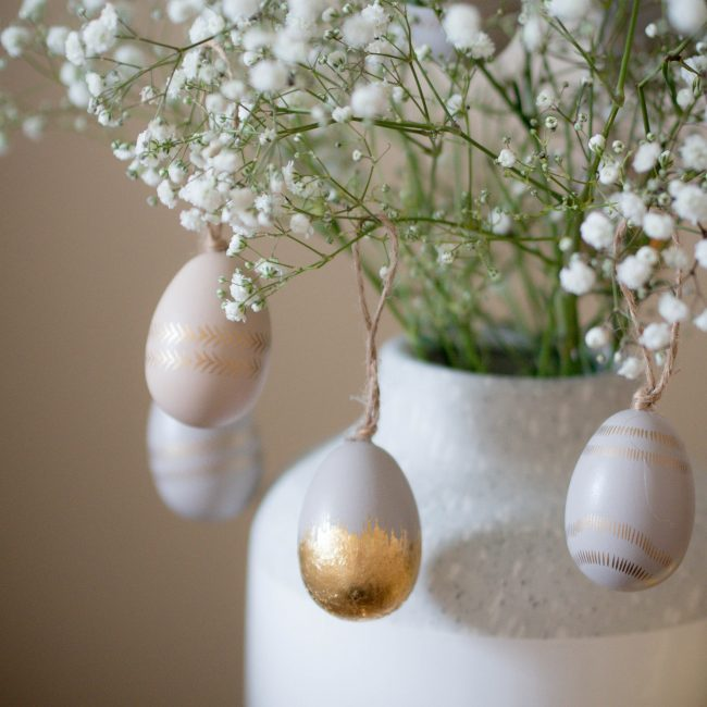 easter side table styling